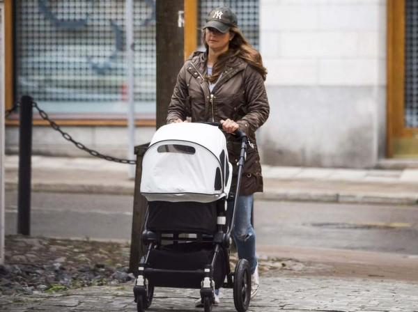 Première promenade de Leonore à Stockholm