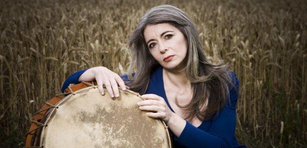 evelyn glennie Dame evelyn elizabeth ann glennie (aberdeen, 19 luglio 1965) è una percussionista e compositrice scozzese.